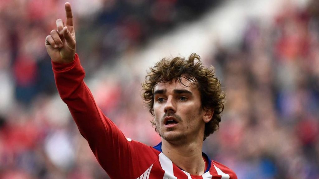 Image of Antoine Griezmann pointing