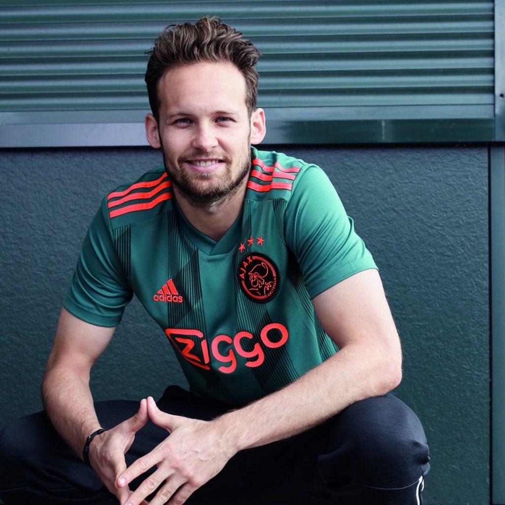 Ajax release away kits for the 2019-20 season