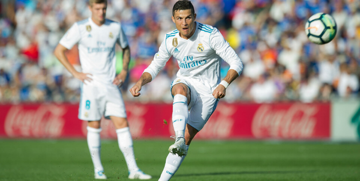 Cristiano Ronaldo's 11 best free kicks of all-time